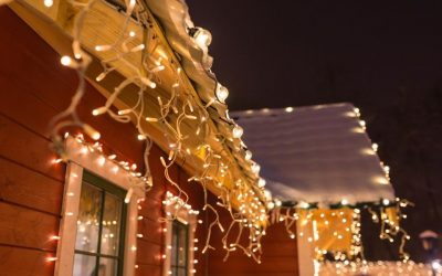 Choosing Between Single Color Vs. Multi-Color Holiday Lights